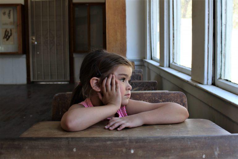 """Programul """"Masa caldă"""" în școli continuă. Bugetul alocat de Guvern a crescut cu 16 milioane de lei!"""
