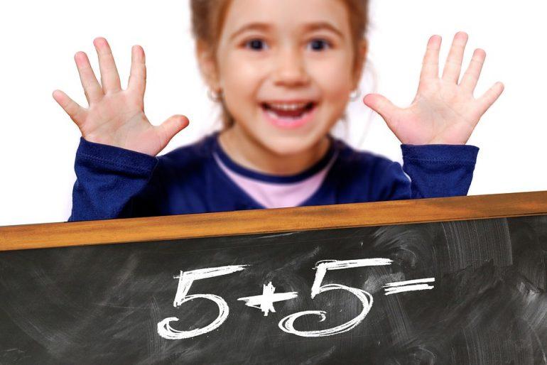 Copiii fără CNP se pot înscrie în învățământul obligatoriu