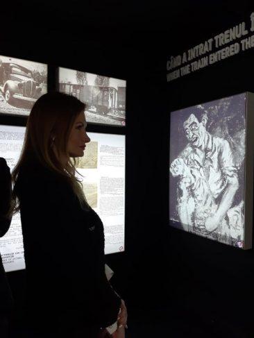 """Expoziția """"Viorica Agarici"""" a adus județul Neamț în inima Capitalei"""